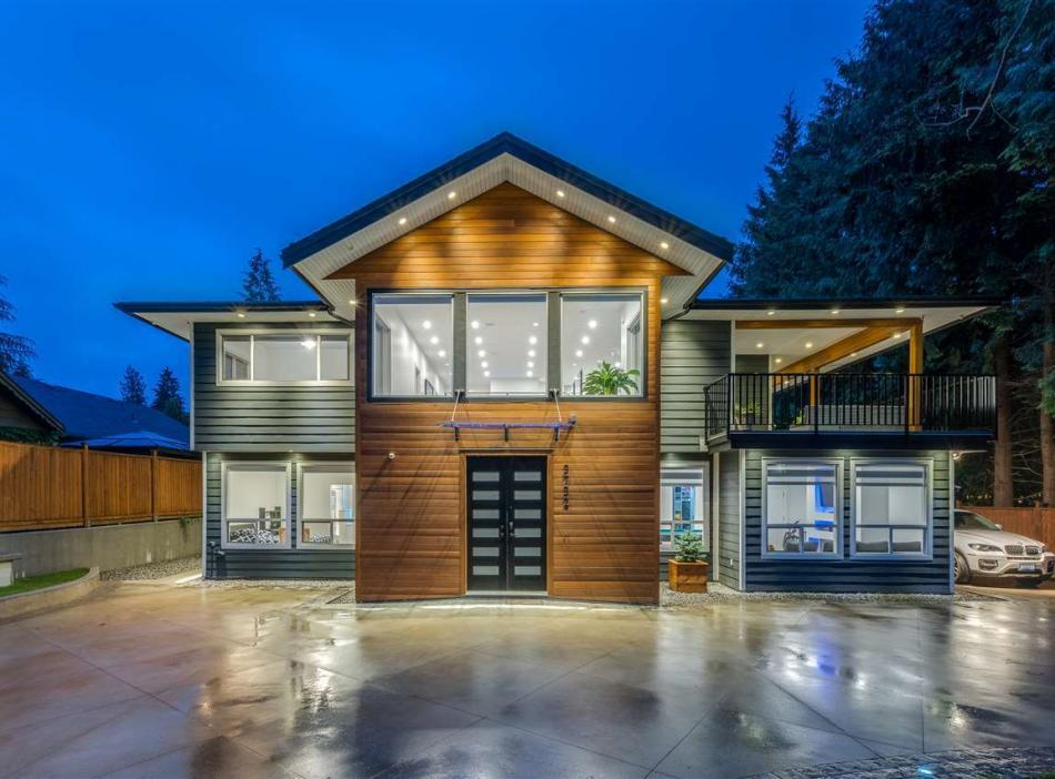 3732 Wellington Street, Oxford Heights, Port Coquitlam